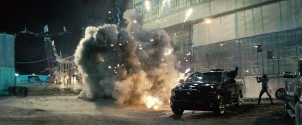 batman-v-superman-trailer-screengrab-20-600x249