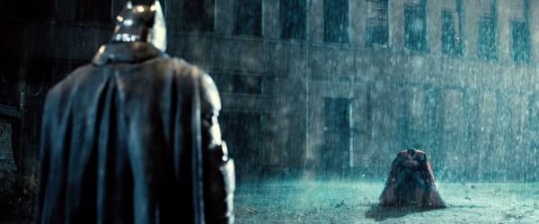 batman-v-superman-trailer-screengrab-34-600x249