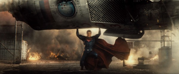 batman-v-superman-trailer-screengrab-5-600x249