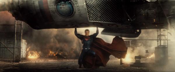 batman-v-superman-trailer-screengrab-5-600x249