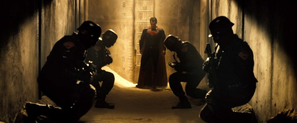 batman-v-superman-trailer-screengrab-7-600x249
