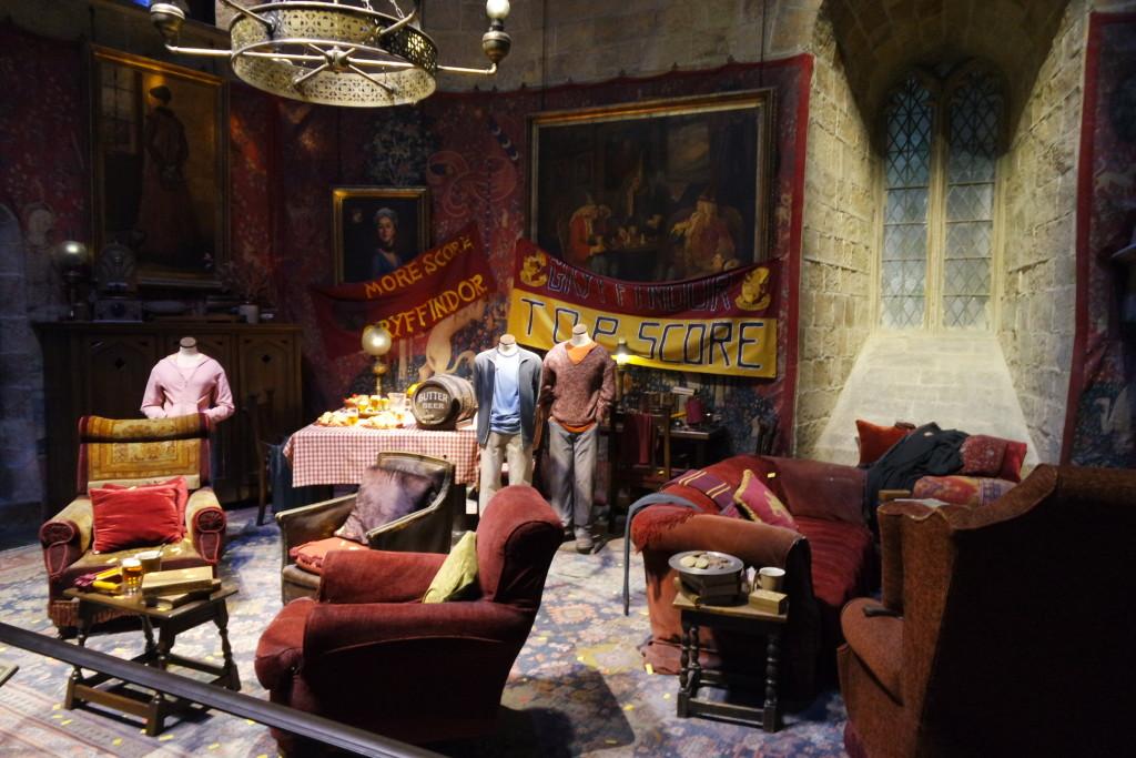 A Sala da Grifinória, lugar de muitas cenas importantes da série do bruxinho!