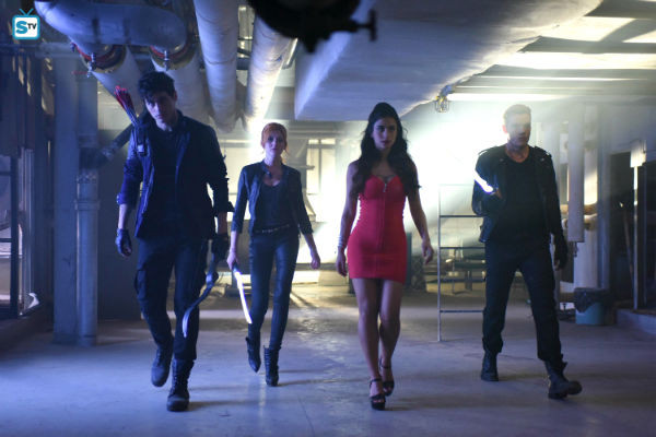 Shadowhunters_1x03_dead Man's Party