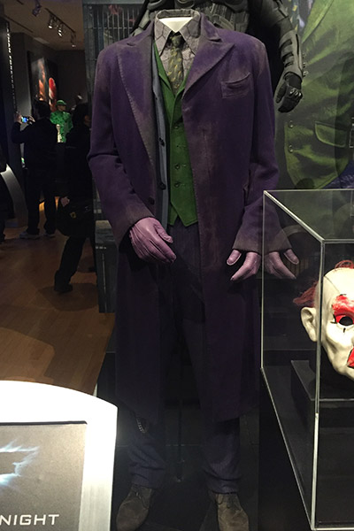 O icônico terno roxo do Coringa de Heath Ledger.