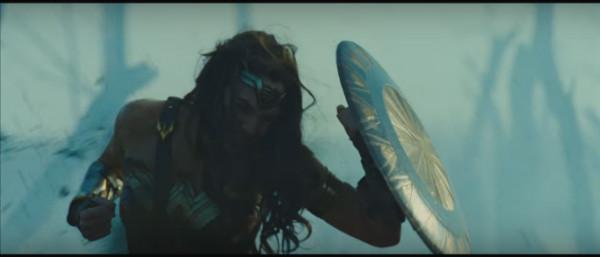 mulher-maravilha-trailer-plano-critico (19)