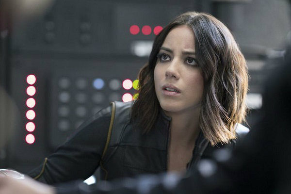 agents_of_shield_4x08_the_laws_of_inferno_dynamics_plano_critico