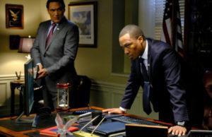 24-legacy-1x11-plano-critico