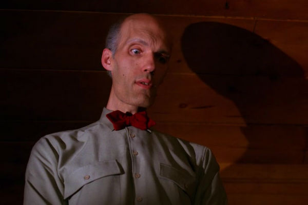 Twin-Peaks-Season-2-Episode-1-5-486a