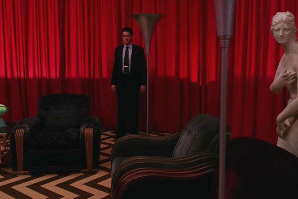 Twin-Peaks-Season-2-Episode-22-38-968e