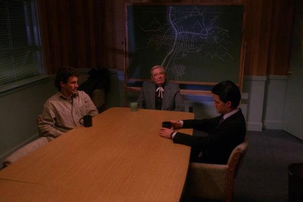 Twin-Peaks-Season-2-Episode-4-43-a233