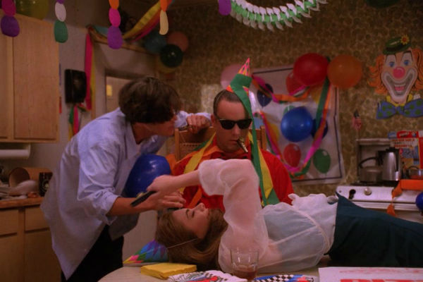 Twin-Peaks-Season-2-Episode-6-32-7b90