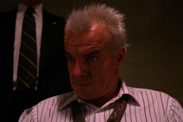 Twin-Peaks-Season-2-Episode-9-39-eab7