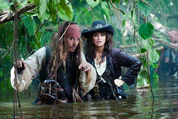 piratas-do-caribe-navegando-aguas-misteriosas-plano-critico