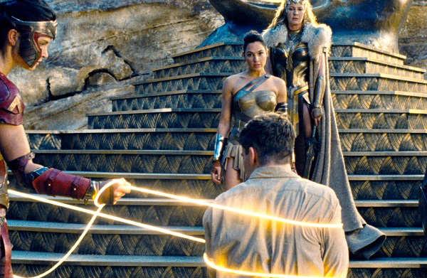 Wonder-Woman-Movie-Lasso-of-Truth