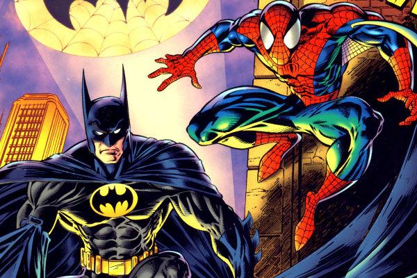 homem-aranha e batman plano critico