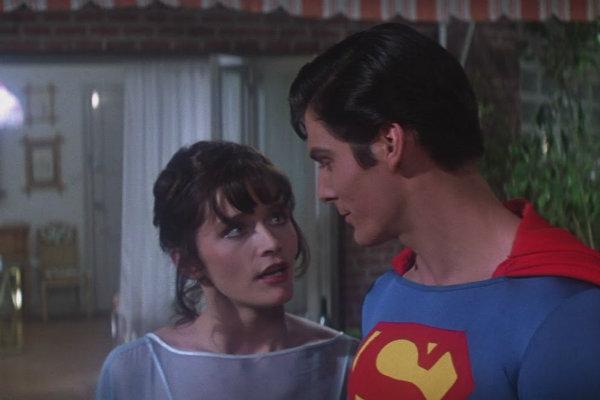 superman-defensores-plano-critico