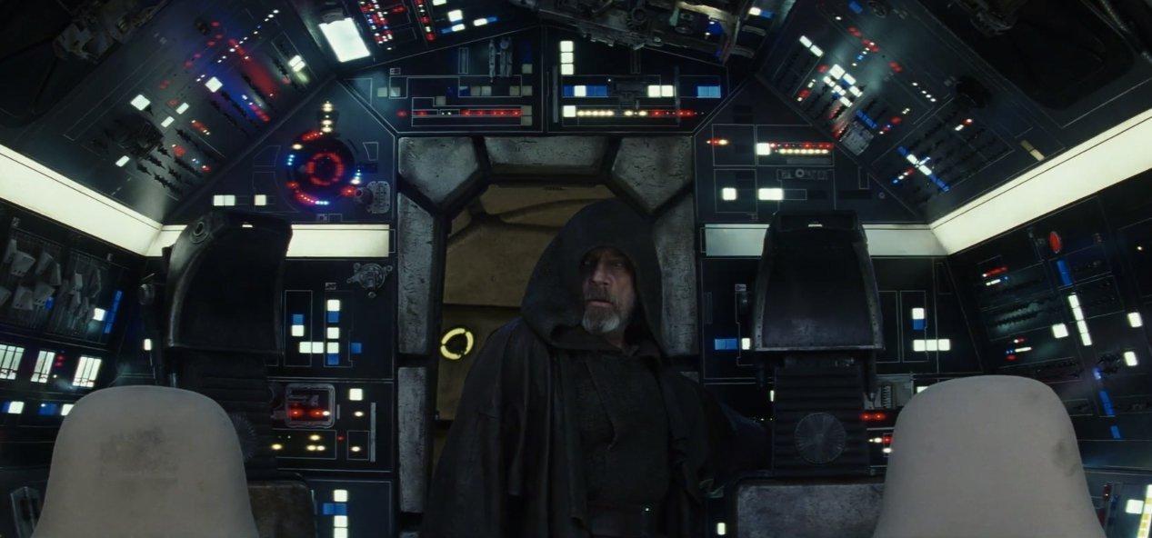 starwars-lastjedi-luke-falcon-cockpit-highres