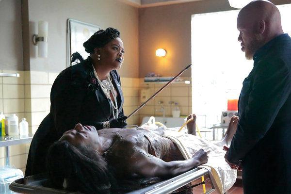 Lady_Eve_plano critico raio negro black lightnin plano critico DC Comics CW Jesus Negro