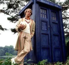 plano critico doctor who quinto doutor peter davison linha do tempo plano critico doctor who