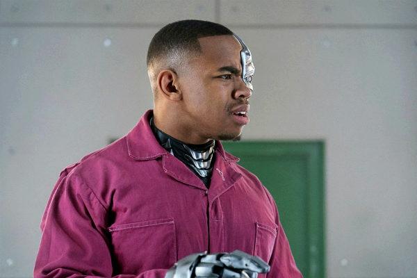 Doom-Patrol-1x12 cyborg patrol plano critico