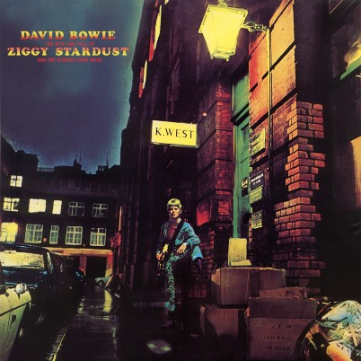 The Rise and Fall of Ziggy Stardust and the Spiders from Mars David Bowie plano crítico